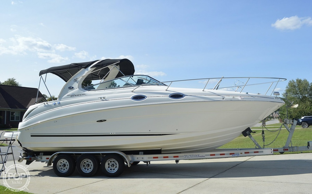 2004 Sea Ray boat for sale, model of the boat is Sundancer 280 & Image # 18 of 40