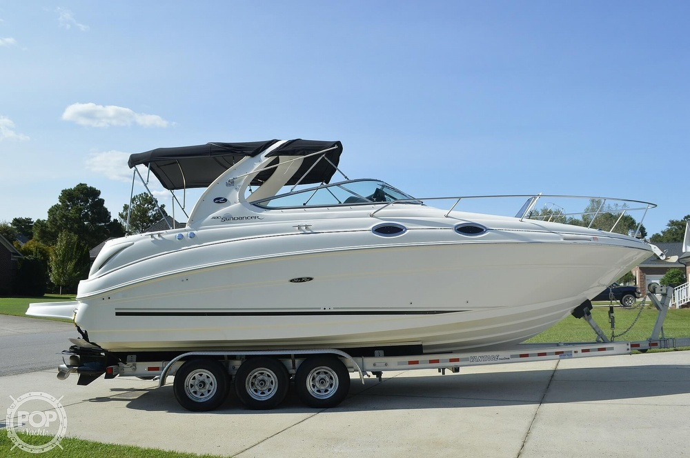 2004 Sea Ray boat for sale, model of the boat is Sundancer 280 & Image # 5 of 40
