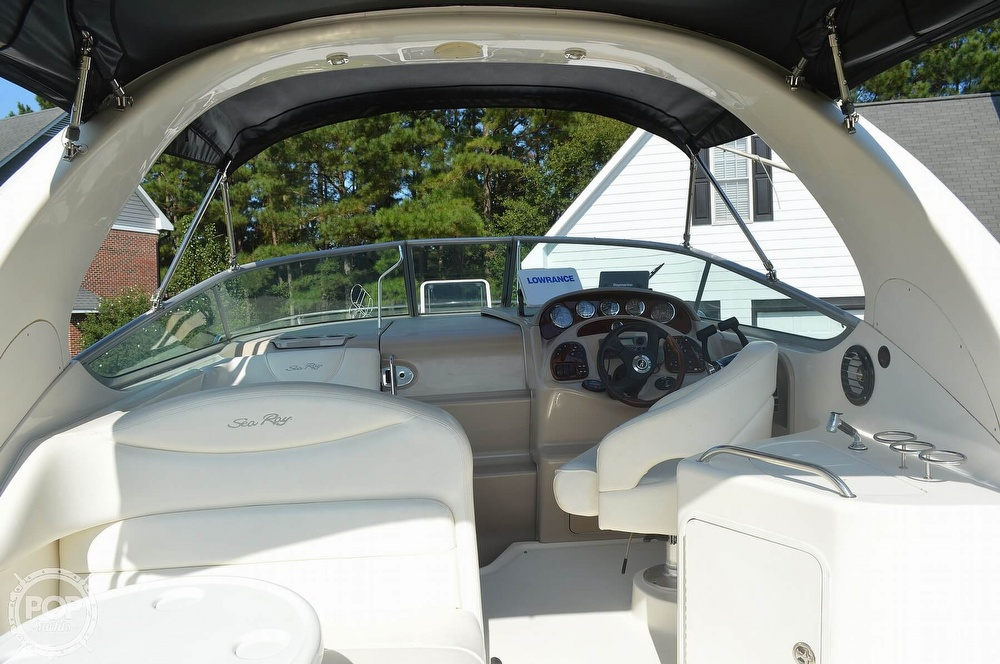 2004 Sea Ray boat for sale, model of the boat is Sundancer 280 & Image # 10 of 40