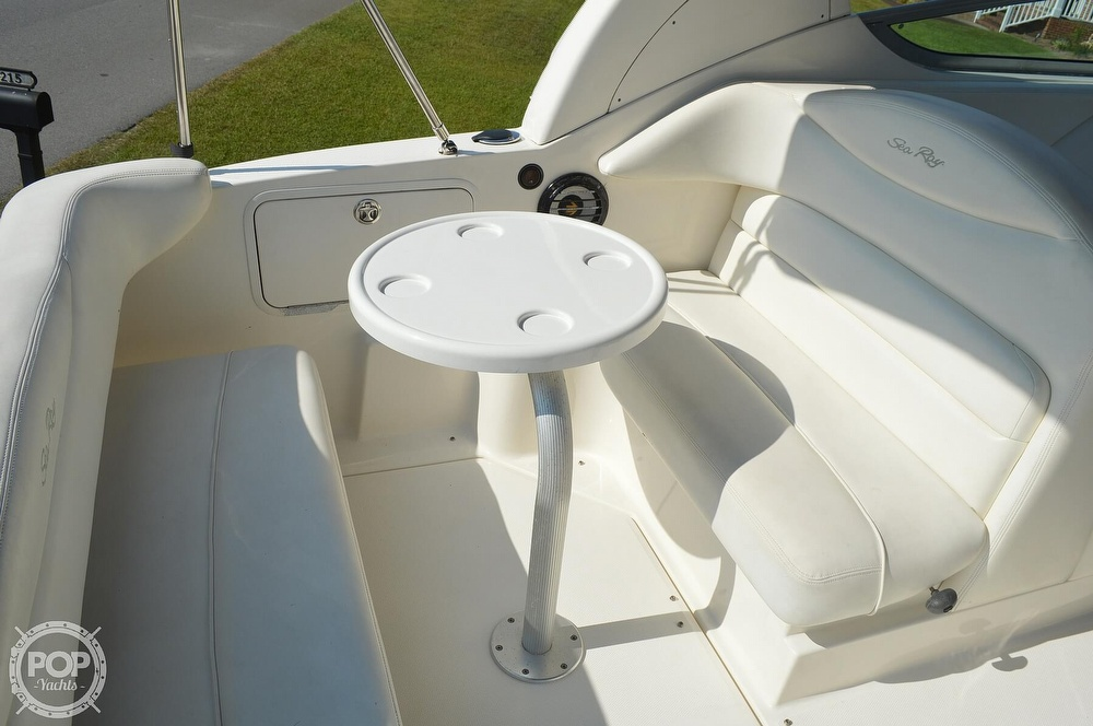 2004 Sea Ray boat for sale, model of the boat is Sundancer 280 & Image # 11 of 40