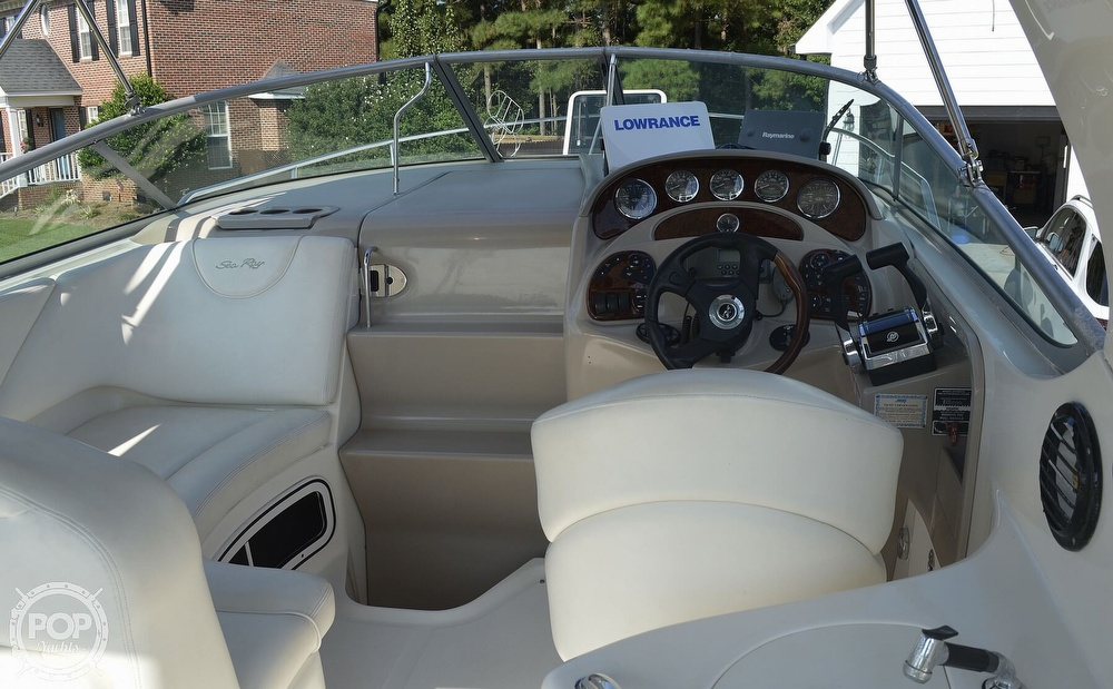 2004 Sea Ray boat for sale, model of the boat is Sundancer 280 & Image # 13 of 40
