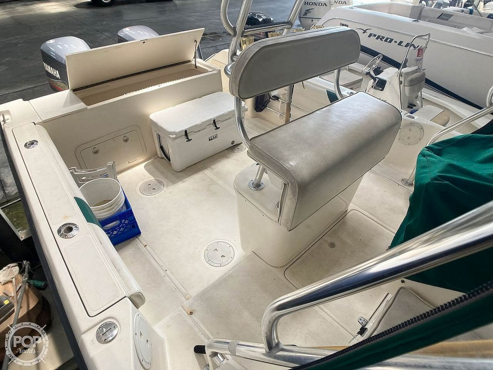 2000 Pursuit boat for sale, model of the boat is 2870 WA & Image # 33 of 40