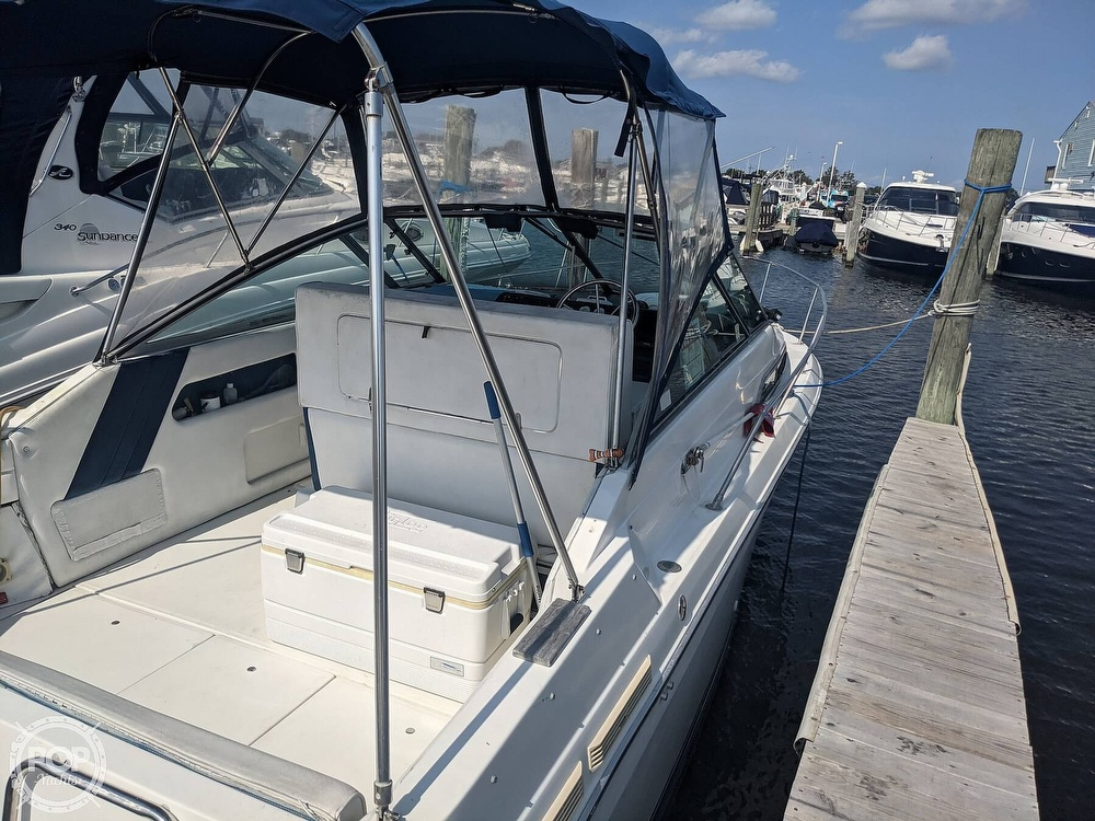 1989 Sea Ray boat for sale, model of the boat is 250 Sundancer & Image # 8 of 40