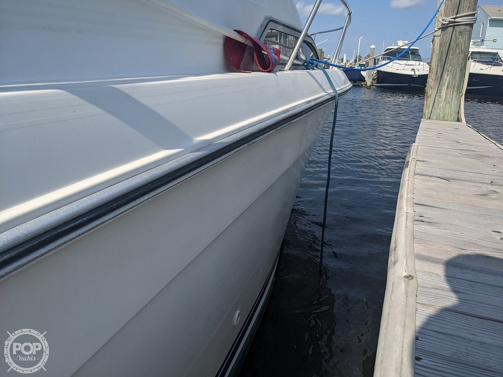 1989 Sea Ray boat for sale, model of the boat is 250 Sundancer & Image # 13 of 40