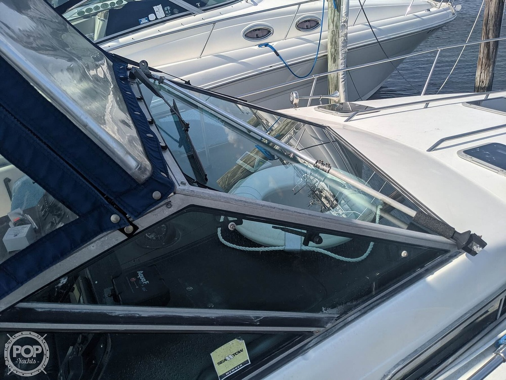 1989 Sea Ray boat for sale, model of the boat is 250 Sundancer & Image # 14 of 40