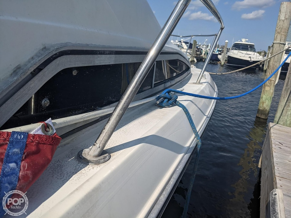 1989 Sea Ray boat for sale, model of the boat is 250 Sundancer & Image # 16 of 40
