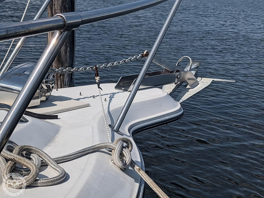 1989 Sea Ray boat for sale, model of the boat is 250 Sundancer & Image # 20 of 40