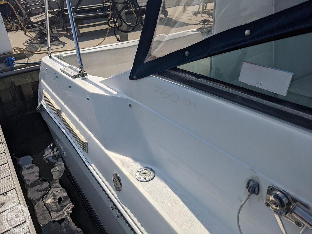 1989 Sea Ray boat for sale, model of the boat is 250 Sundancer & Image # 24 of 40