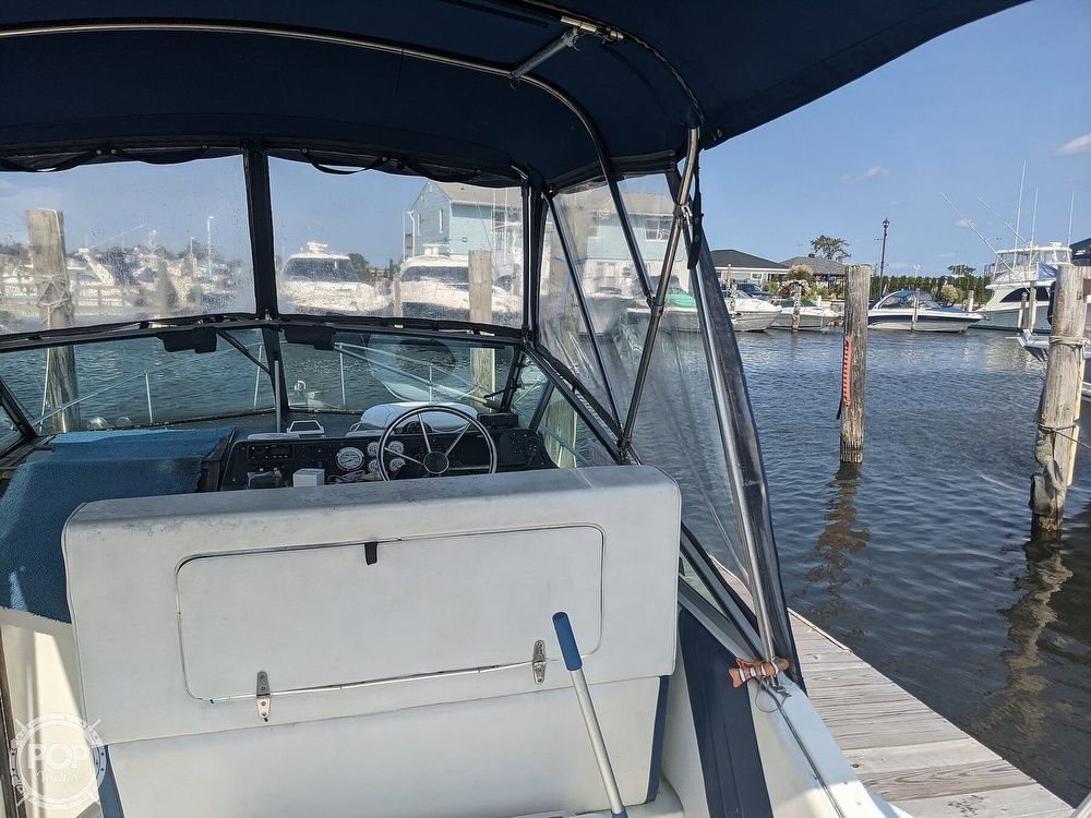 1989 Sea Ray boat for sale, model of the boat is 250 Sundancer & Image # 27 of 40