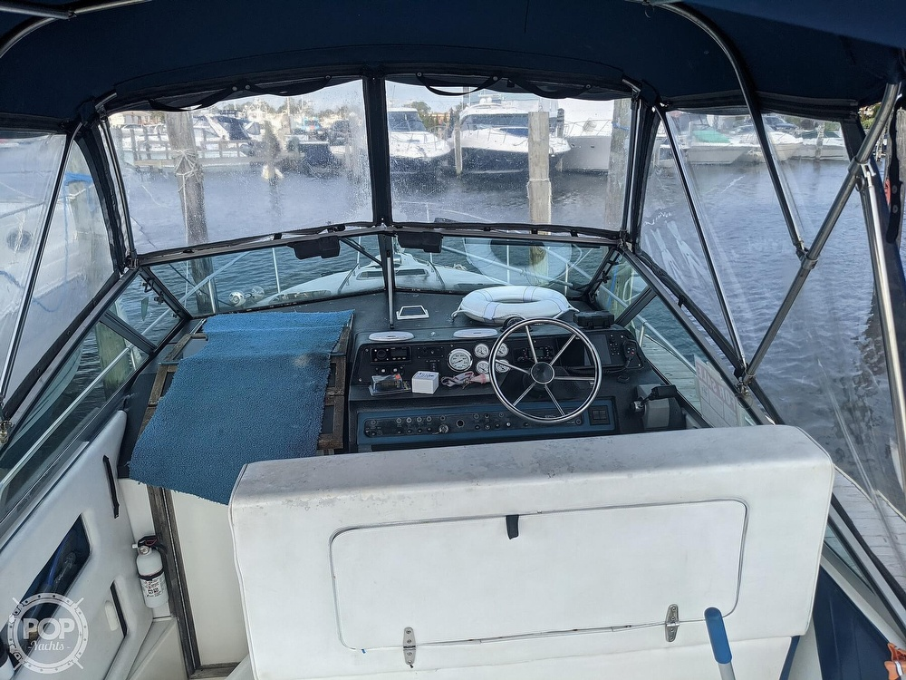 1989 Sea Ray boat for sale, model of the boat is 250 Sundancer & Image # 28 of 40