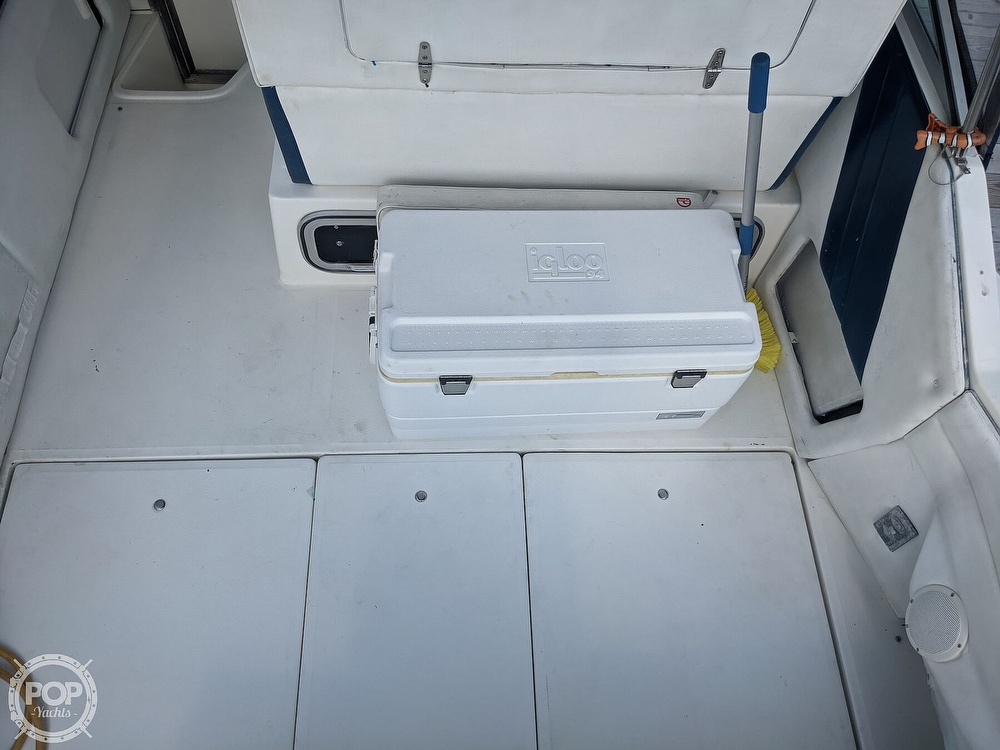 1989 Sea Ray boat for sale, model of the boat is 250 Sundancer & Image # 30 of 40