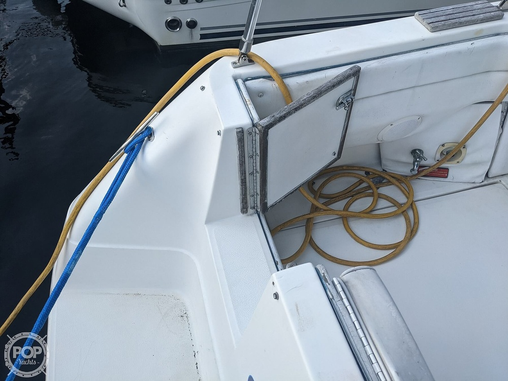 1989 Sea Ray boat for sale, model of the boat is 250 Sundancer & Image # 31 of 40