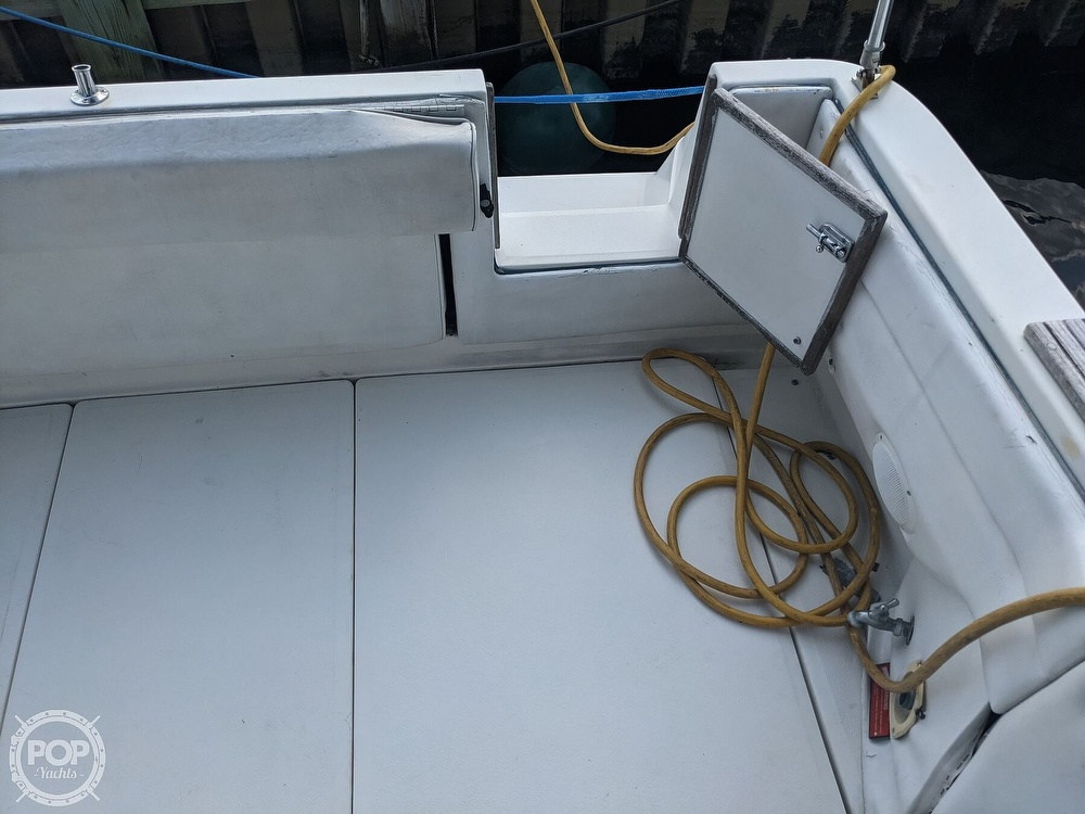 1989 Sea Ray boat for sale, model of the boat is 250 Sundancer & Image # 32 of 40