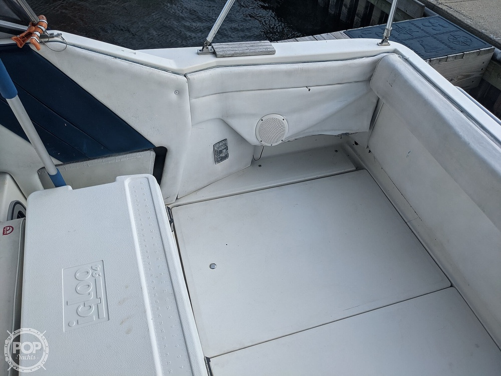 1989 Sea Ray boat for sale, model of the boat is 250 Sundancer & Image # 33 of 40