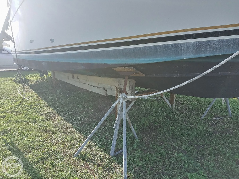 1987 Carver boat for sale, model of the boat is 3227 Convertible & Image # 3 of 40