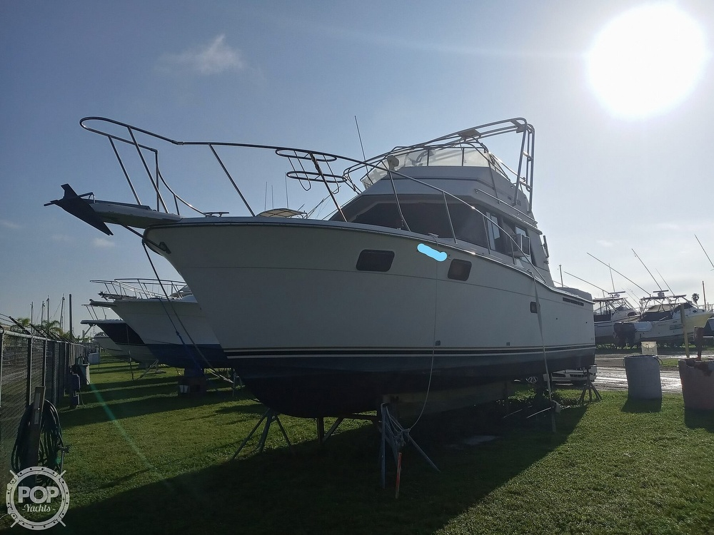1987 Carver boat for sale, model of the boat is 3227 Convertible & Image # 2 of 40