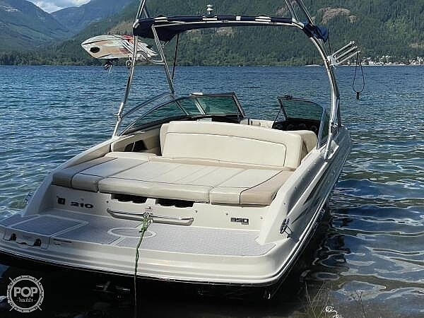 2010 Sea Ray boat for sale, model of the boat is 210 select & Image # 5 of 40