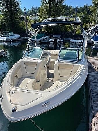 2010 Sea Ray boat for sale, model of the boat is 210 select & Image # 6 of 40