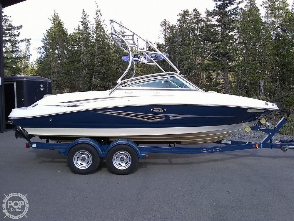 2010 Sea Ray boat for sale, model of the boat is 210 select & Image # 18 of 40