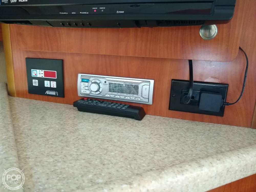 2007 Rinker boat for sale, model of the boat is 280 Express Cruiser & Image # 27 of 40