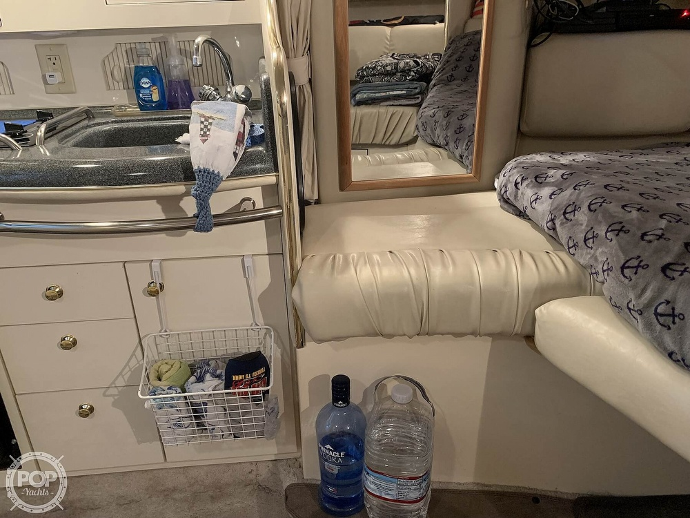 1997 Sea Ray boat for sale, model of the boat is 290 Sundancer & Image # 32 of 40
