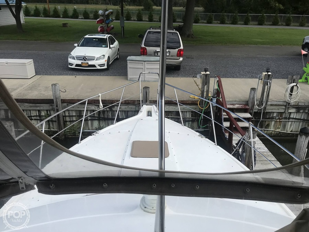 1997 Cruisers Yachts boat for sale, model of the boat is 3950 Aft Cabin & Image # 38 of 40
