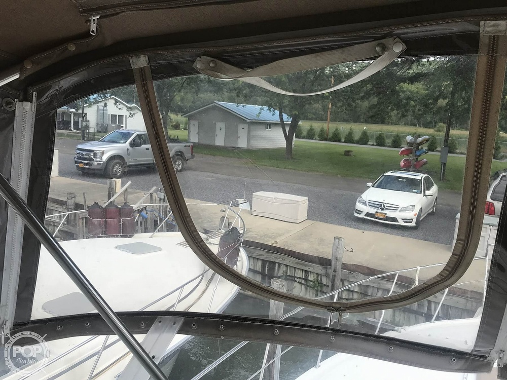 1997 Cruisers Yachts boat for sale, model of the boat is 3950 Aft Cabin & Image # 39 of 40