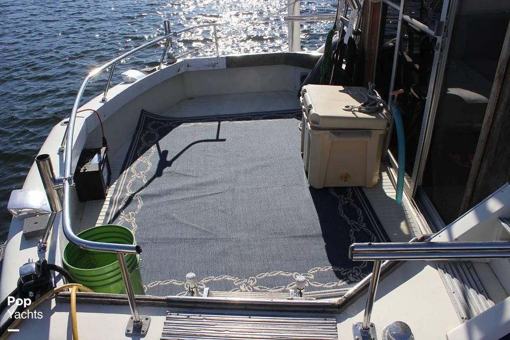 1971 Chris Craft boat for sale, model of the boat is 38 Commander Sedan & Image # 2 of 41