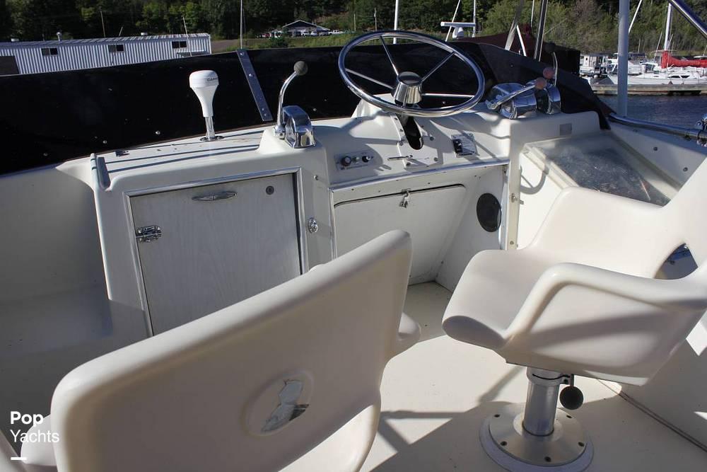 1971 Chris Craft boat for sale, model of the boat is 38 Commander Sedan & Image # 4 of 41
