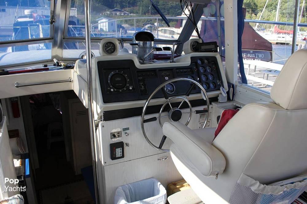 1971 Chris Craft boat for sale, model of the boat is 38 Commander Sedan & Image # 10 of 41