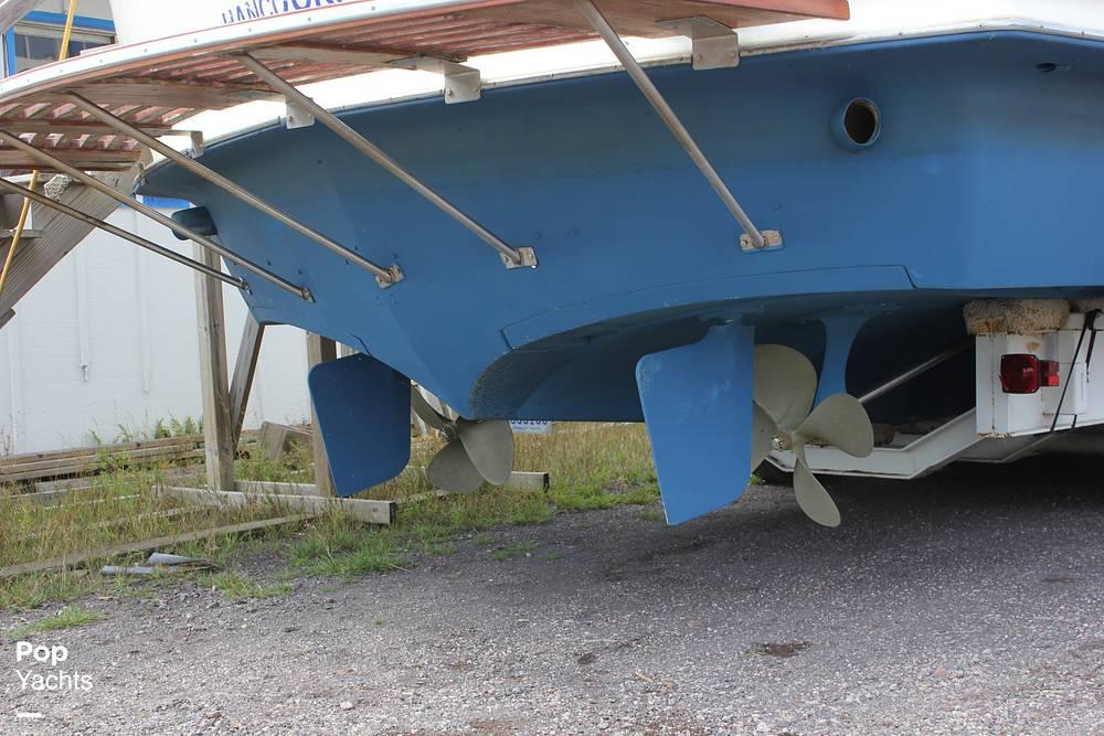 1971 Chris Craft boat for sale, model of the boat is 38 Commander Sedan & Image # 22 of 41