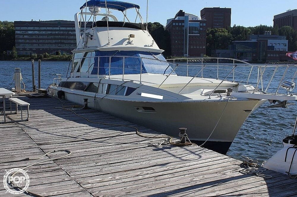 1971 Chris Craft boat for sale, model of the boat is 38 Commander Sedan & Image # 3 of 41