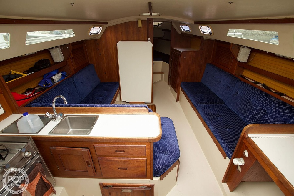 1987 Catalina Yachts boat for sale, model of the boat is C 30 Tall rig & Image # 5 of 40