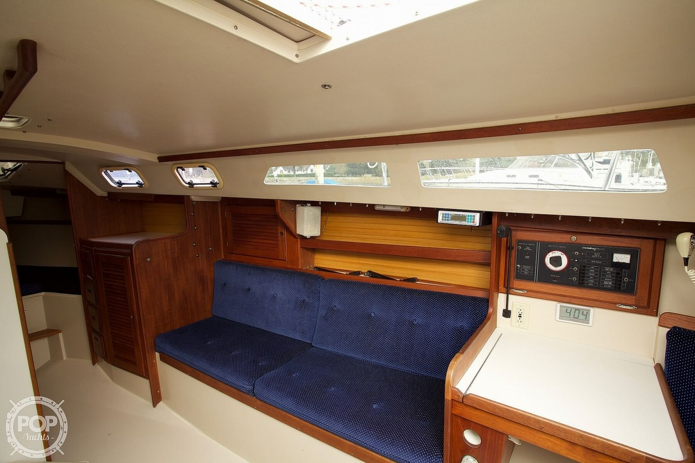 1987 Catalina Yachts boat for sale, model of the boat is C 30 Tall rig & Image # 6 of 40