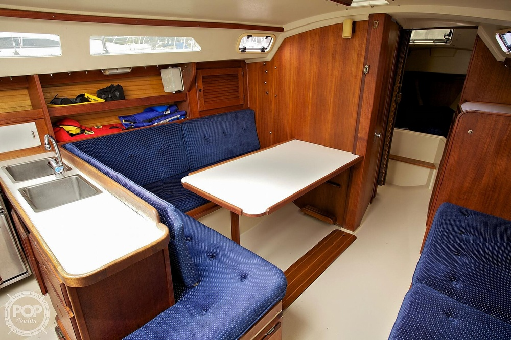 1987 Catalina Yachts boat for sale, model of the boat is C 30 Tall rig & Image # 7 of 40