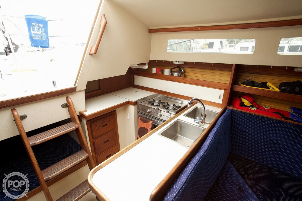 1987 Catalina Yachts boat for sale, model of the boat is C 30 Tall rig & Image # 9 of 40