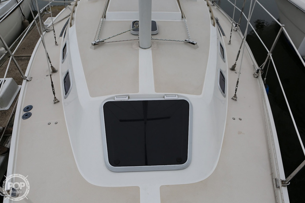 1987 Catalina Yachts boat for sale, model of the boat is C 30 Tall rig & Image # 15 of 40