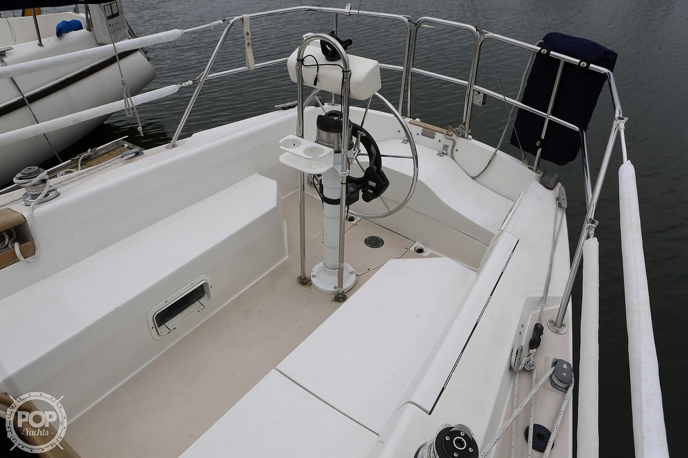 1987 Catalina Yachts boat for sale, model of the boat is C 30 Tall rig & Image # 21 of 40