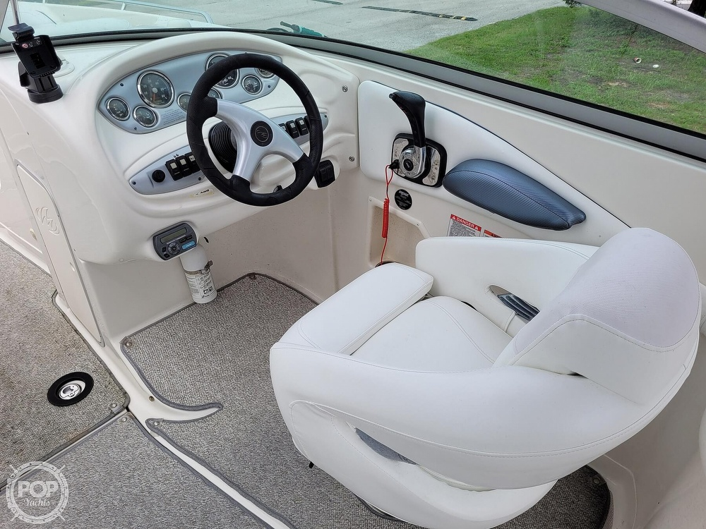 2007 Monterey boat for sale, model of the boat is 268SS & Image # 9 of 40