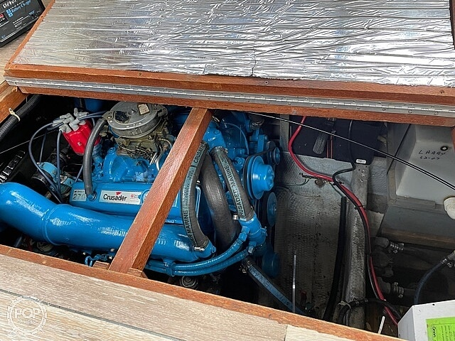1986 Carver boat for sale, model of the boat is 3207 & Image # 9 of 12