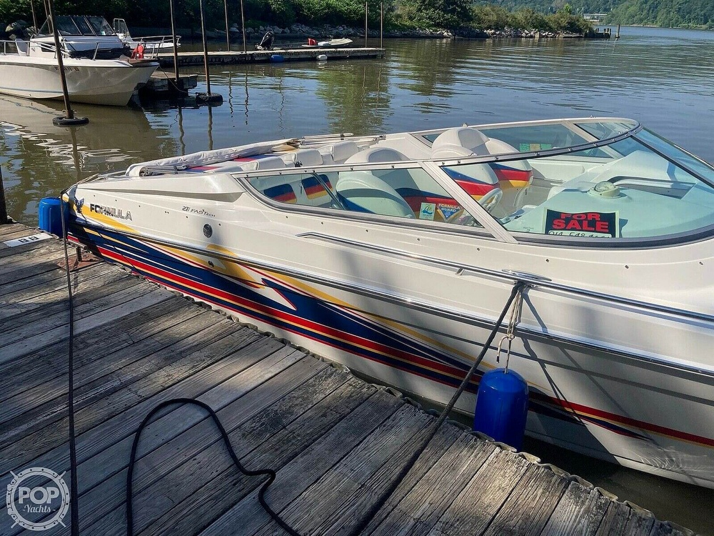 2003 Formula boat for sale, model of the boat is Fastech 271 & Image # 2 of 10