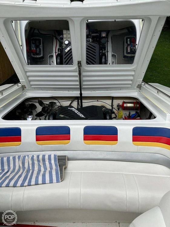 2003 Formula boat for sale, model of the boat is Fastech 271 & Image # 3 of 10