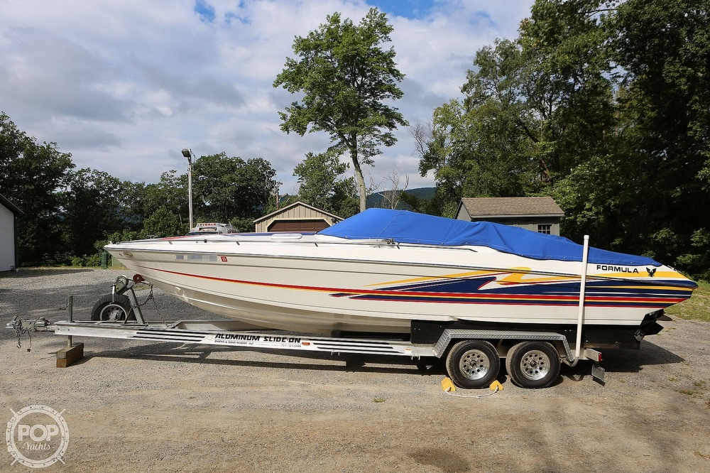 2003 Formula boat for sale, model of the boat is Fastech 271 & Image # 2 of 40