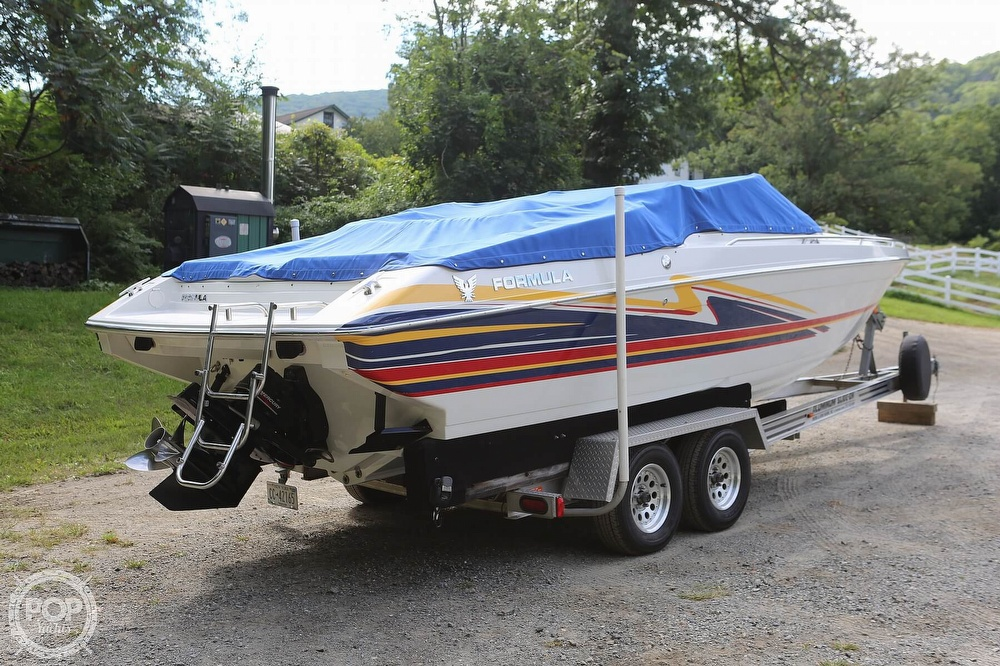 2003 Formula boat for sale, model of the boat is Fastech 271 & Image # 24 of 40