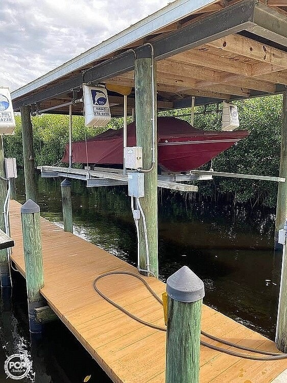 1983 Supreme boat for sale, model of the boat is 18 & Image # 2 of 16
