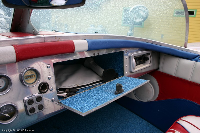 1953 Valco 21 Runabout - Photo #30