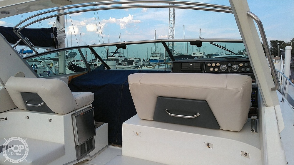 1989 Sea Ray boat for sale, model of the boat is 390 Express Cruiser & Image # 5 of 32