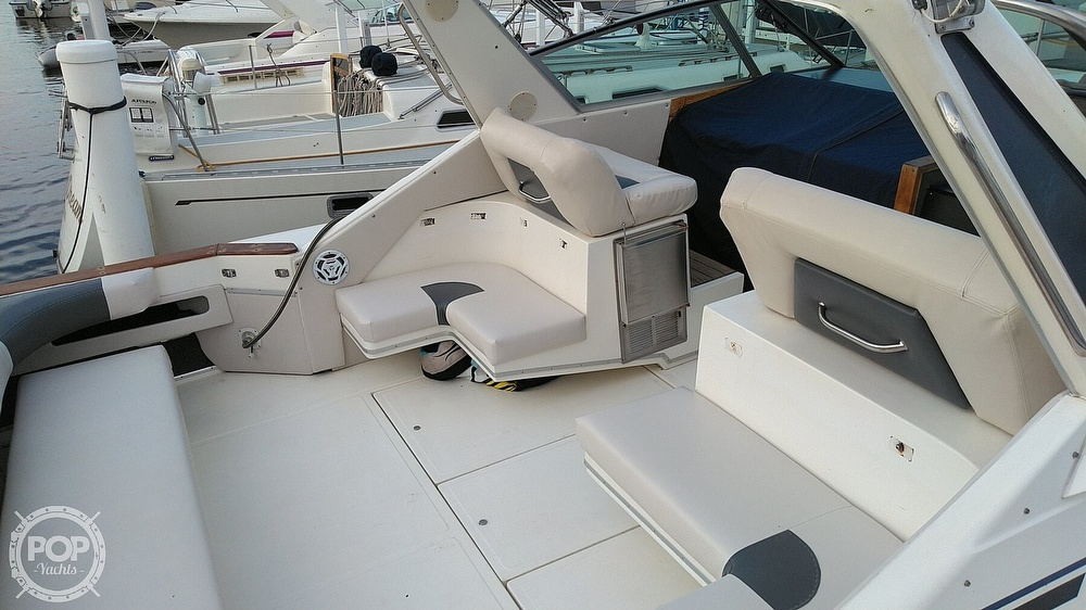 1989 Sea Ray boat for sale, model of the boat is 390 Express Cruiser & Image # 11 of 32