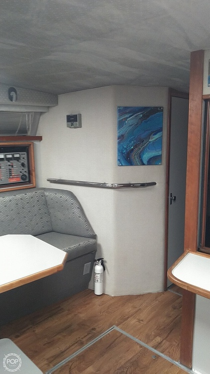 1989 Sea Ray boat for sale, model of the boat is 390 Express Cruiser & Image # 23 of 32