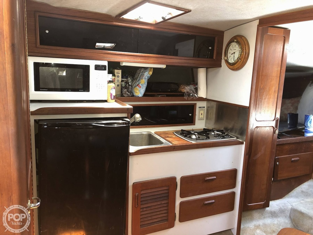 1987 Tiara Yachts boat for sale, model of the boat is 3100 & Image # 8 of 40